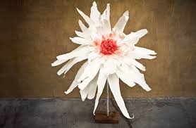 Diy Giant Paper Rose Flower How To Make Giant Paper Flowers Diy Crafts Handimania