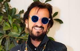 """Ringo Starr invites everyone to """"spread ..."""
