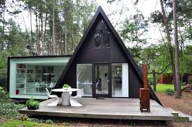 For the love of A-Frames! The Entertaining House. Image via Homeedit.