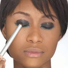 you just learn dramatic eye makeup and confused where to start while the knowledge and the ability of your makeup are not too qualified do not worry