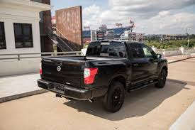 2018 nissan frontier midnight edition. exellent frontier the trucks remain the same mechanically but midnight edition custom  touches include a blackedout grille 18inch black rims running boards  throughout 2018 nissan frontier midnight edition n