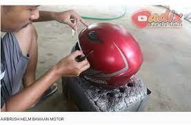 Check spelling or type a new query. Bimsalabim Helm Yamaha Vixion Diubah Jadi Bergaya Murid Valentino Rossi Mobimoto Com