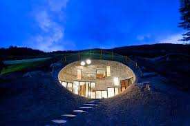5 coolest underground homes