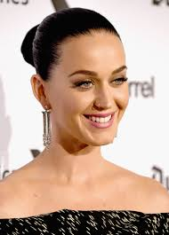 katy perry finished off her elegant look with a pair of art deco style diamond diamond chandelier earrings