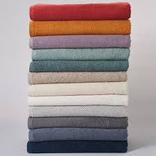 tips and tricks on maintaining soft and fluffy modern bath towels