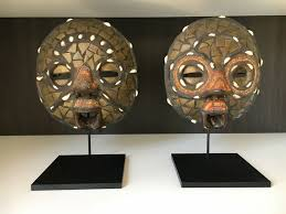 art display mask stands