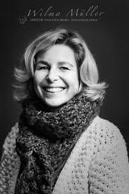 mirthe van den berg the programs of stichting present foundation assist those who are facing a difficult situation helping people by the work of volunteers