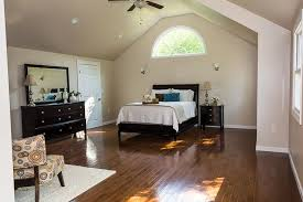 vaulted ceiling in master suite half moon window forrest chrissis suggested painting the ceiling the same color as the walls benjamin moore s edgecomb