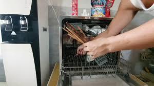 Cách Sử Dụng Máy Rửa Chén & Chất Tẩy Rửa Cần Thiết - YouTube