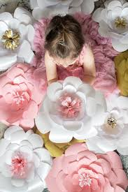 Diy Giant Paper Rose Flower 20 Gorgeous Giant Paper Flowers To Make Sustain My Craft Habit