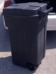 outdoor trash can. Brilliant Outdoor Trash Can With Wheels Best Garbage Cans Regarding Rubbermaid