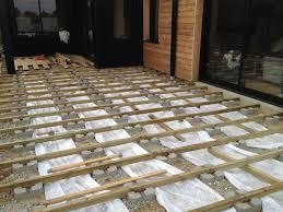 Nivrem Com Montage Terrasse En Bois Sur Plots Beton Diverses La Terrasse Est Posee Sur Plots Betons Sur Les Extremites Et