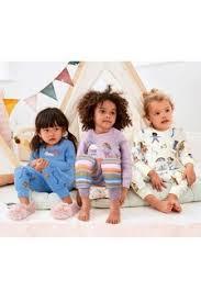 Одежда для сна и <b>пижамы</b>