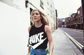 2560x1700 Ellie Goulding Nike 2018 10k ...