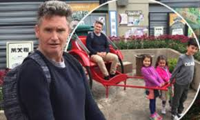 dave hughes posts hysterical family photos from hong kong daily mail the daily braille
