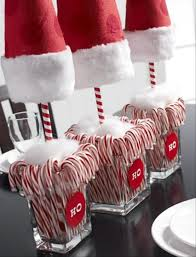 How To Decorate Candy Canes 60 Candy Cane Christmas Decor Ideas 51