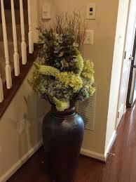 Dark Floor vase - different arrangement
