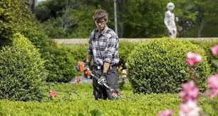 how much does a gardener cost