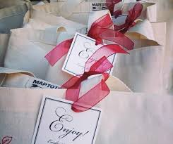 welcome bags organizing hosting pinterest etiquette Wedding Etiquette Out Of Town Guests Gift wedding welcome bags, out of town guests, gift bags, regional specialties, custom gift bags wedding etiquette out of town guests gift
