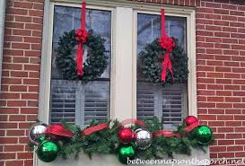 Christmas Window Box Decorations Christmas Decorating Ideas for Porches Doors and Windows 31