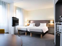 Airport Bed Hotel Hotel In Roissy En France Novotel Suites Paris Cdg Airport
