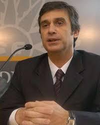 Álvaro García. Ministro de Economía de Uruguay. Según algunos analistas económicos se avecina una caída de la recaudación fiscal uruguaya. - alvaro_garcia