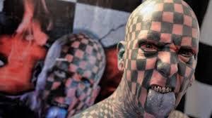 Na Mezinárodní Sjezd Tetování Dorazil I šachový Muž