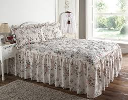 Quilted Classic Rose Garden Floral Fitted Double Bedspread: Amazon ... & Quilted Classic Rose Garden Floral Fitted Double Bedspread: Amazon.co.uk:  Kitchen & Home Adamdwight.com