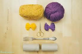 2-incredible-ways-to-make-yarn-pom-poms02 ...