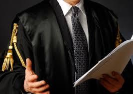 Risultati immagini per avvocato in tribunale
