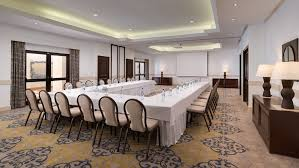 the luxurious and elegant business conference rooms. The Spectacular Cliff-top Setting Of Pine Cliffs Hotel Provides A Stunning Locale For Special Events And Unique Outdoor Functions. Luxurious Elegant Business Conference Rooms