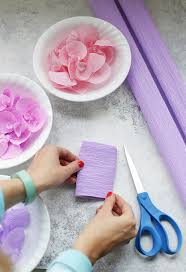 diy crepe paper wisteria such a pretty spring or easter decoration