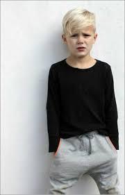F R Jungen Trendig Blondes Haar