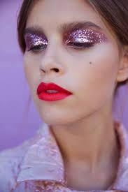 6 easy festival makeup looks to rock at good vibes festival 2017 glitter eyes