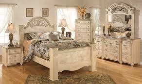 buy ashley furniture saveaha poster bedroom set