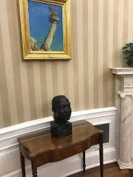 oval office wallpaper. #FakeNews: Media Falsely Reports Trump Removed MLK Bust From Oval Office Wallpaper M