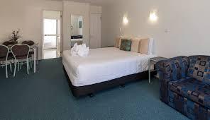 Palm Court Bedroom Furniture Book At Palm Court Rotorua Spa Pool Twin Motel Unit