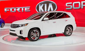 2014 Kia Sorento Photos and Info | News | Car and Driver