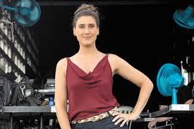 Paola Carosella brinca sobre ter 'barriga de grávida': 'É comida'