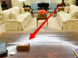 Desk in oval office Lbj Resolute Desk Button Skitch Oval Office Business Insider Trumps Presidential Desk Has Tiny Red Button That He Presses To