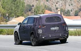 2018 hyundai hybrid suv. modren suv expect to see the new hyundai santa fe shorn of disguise in summer 2018  with hyundai hybrid suv o
