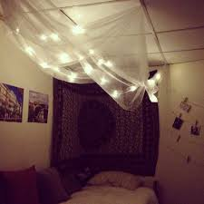 Tulle Canopy Diy Diy Cozy For A Dorm Room Canopy Made Out Of Sheer Curtains From