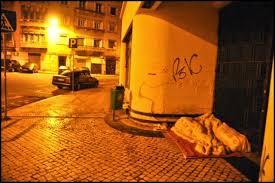 Resultado de imagem para IMAGENS DE SEM TETO OU SEM ABRIGO - POBREZA.