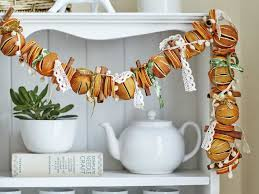 Drying Out Oranges Christmas Decorations How To Make A Dried Orange Christmas Garland Saga