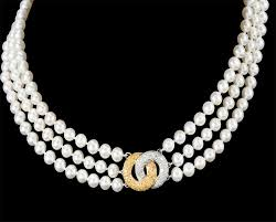 victoria diamond clasp with pearl