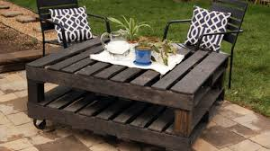18 Clever DIY Wood Pallet Projects You Can Do Now