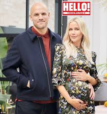 My waters broke at 5:45am this. Kate Lawler Reveals She S Pregnant With Her First Child With Fiance Martin Daily Mail Online