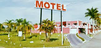 Resultado de imagem para fachada de motel