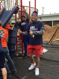 Devin booker is set to play in the 2021 nba finals this evening, and his girlfriend, kendall jenner, recently ripped the infamous kardashian curse concept that has been circulating for years. Quese 22 And Devinbook Have Fun During Today S Day Of Service With Kaboom Nbacares Nbaallstar Devin Booker Basketball Clothes Nba Players Outfits