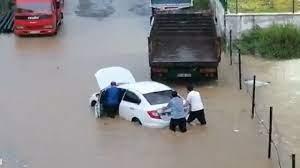 Rize'de sağanak! Dereler taştı, evleri su bastı, yollar kapandı - Son dakika  haberleri